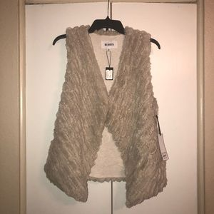 BB Dakota Faux Fur Vest, Cream, Medium, NWT